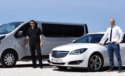 Airport private transfer to Split